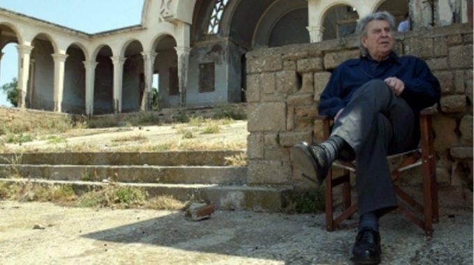 Ο Μίκης Θεοδωράκης δίνει τρεις συναυλίες στη Μακρόνησο