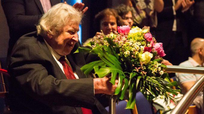 Θριαμβευτική υποδοχή του συμφωνικού έργου του Μίκη Θεοδωράκη από το γερμανικό κοινό στο Duesseldorf