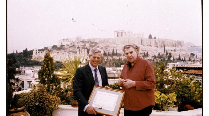 Απονομή βραβείου από την πόλη της Teruel της Ισπανίας στον Μ. Θεοδωράκη